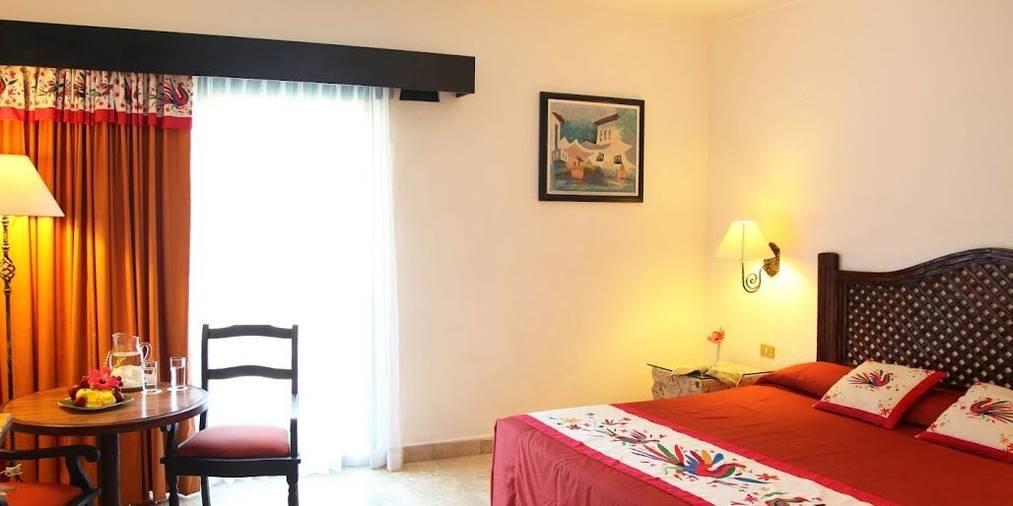 hacienda-buenaventura_standard-room-king.JPG.1013x506_default